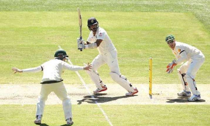 aus vs ind vijay kohli take india to 105 for two at lunch