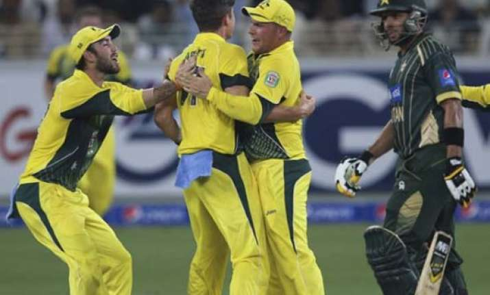australia beat pakistan by 93 runs in first odi at sharjah