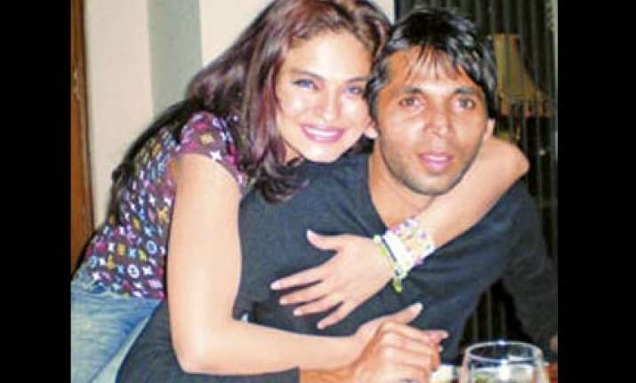 asif indulged in spot fixing on aus tour says ex girlfriend