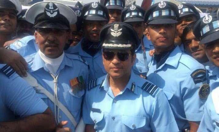 group captain sachin tendulkar celebrates air force day