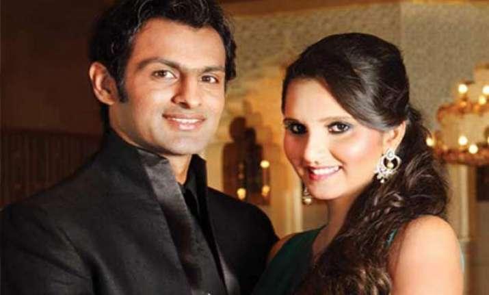 shoaib malik to join his wife sania mirza in india