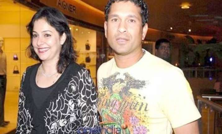 i didn t know sachin jab we met says wife anjali