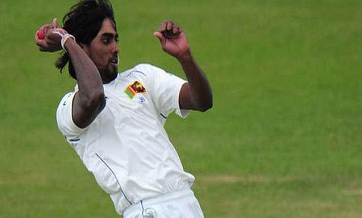 sri lanka dismisses new zealand for 221 on 1st day