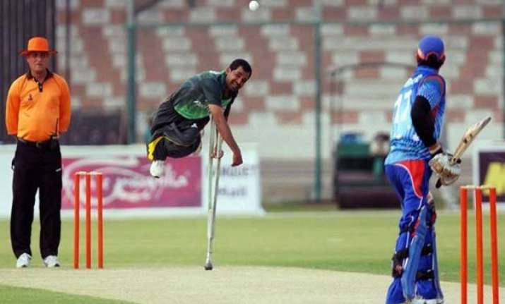 farhan saeed the pakistani cricketer who beats disability