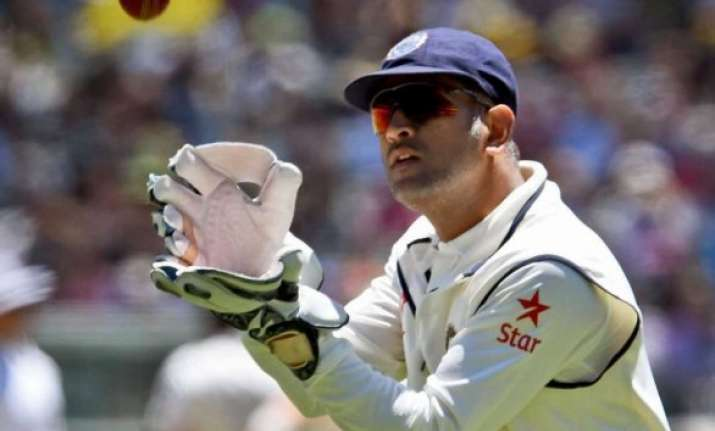 kohli dhoni can take the field in case...