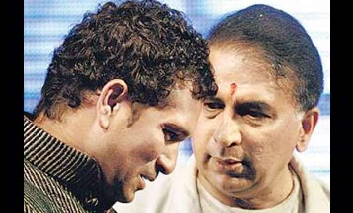 sachin prevented gavaskar from bowing to him