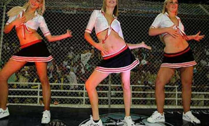 know how cheerleading originated in sports
