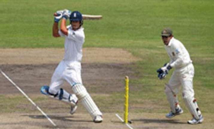 england on back foot against bangladesh in dhaka