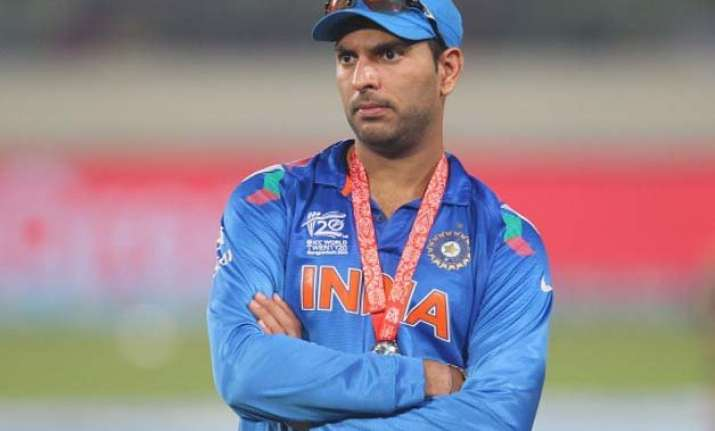 dhoni new field restriction rules affected yuvraj s bowling