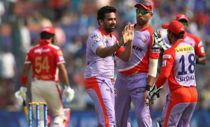 ipl 8 daredevils restrict kings xi to 118/8