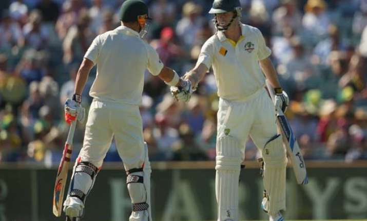 aus vs ind australia cruise to 123/0 at lunch on day 1