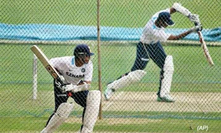 indian australian teams in kochi for sunday odi