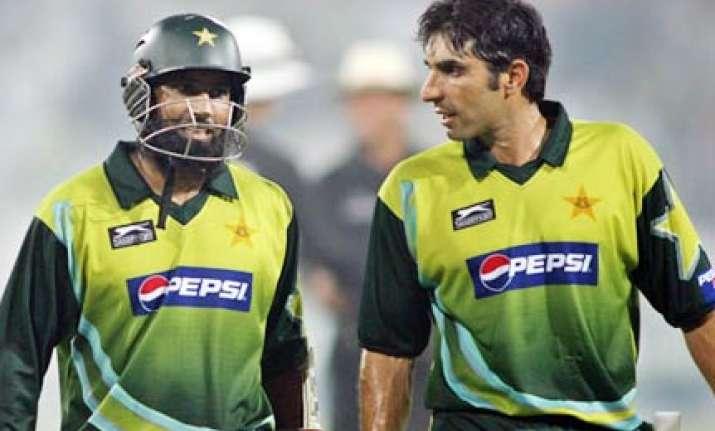 pcb ignores seniors appoints misbah ul haq pak test captain