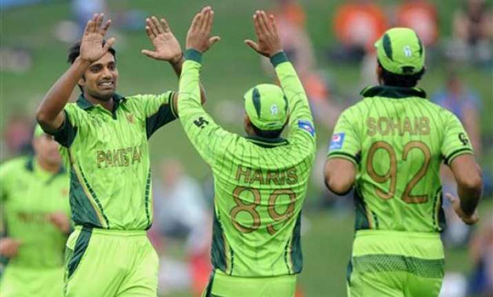 world cup 2015 pakistan trounce uae by 129 runs