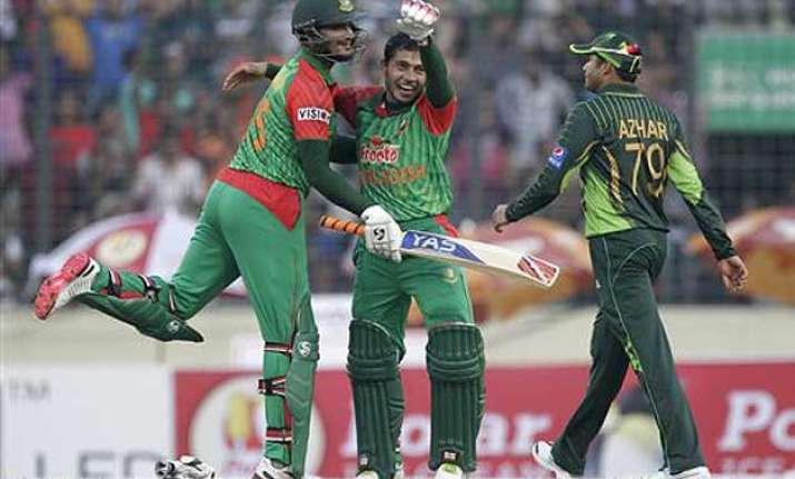 ban vs pak bangladesh beats pakistan by 79 runs in 1st odi