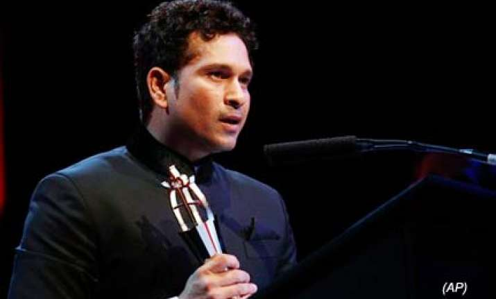 tendulkar gets people s choice award in asian awards in uk