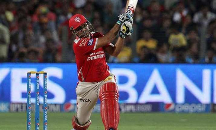 ipl 8 kings xi post 165/7 against delhi