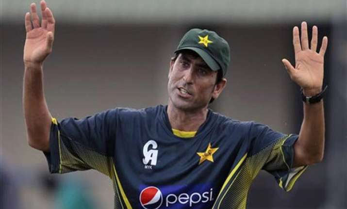 younis khan should retire now former pak players
