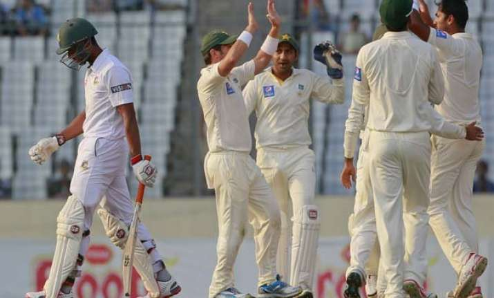 ban vs pak pakistan takes big lead on 2nd day vs bangladesh