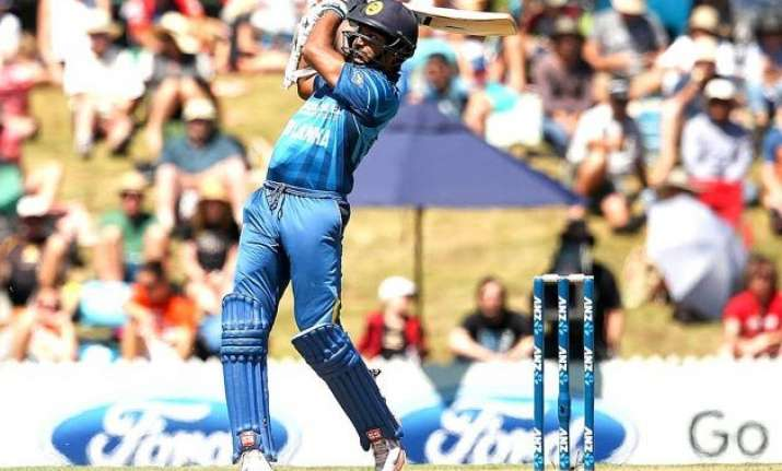 nz vs sl sri lanka wins toss bats in 7th odi