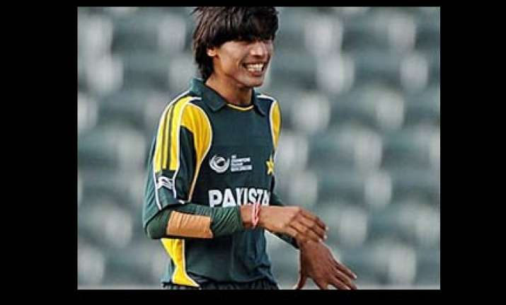 pak cricketer aamer did not use mobile says icc