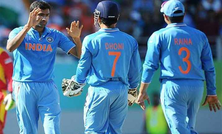 world cup 2015 india can beat australia if bowlers continue