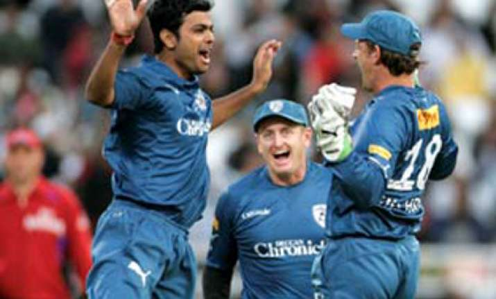 deccan record first win outplay chennai by 31 runs