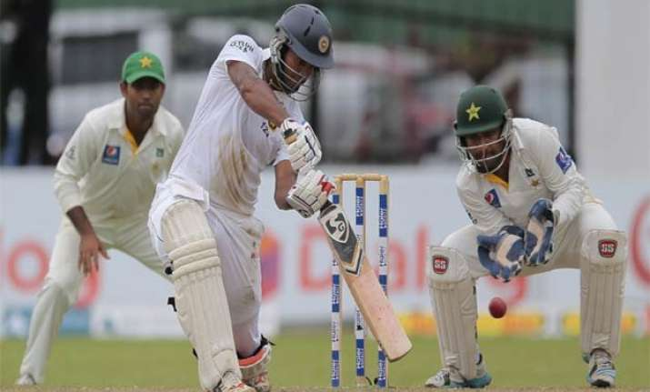 sl vs pak only karunaratne defies yasir as sri lanka reach
