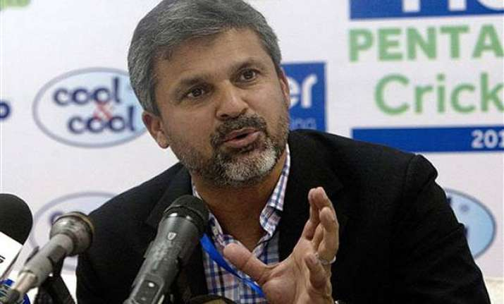 moin khan to be sacked as pakistan s chief selector after