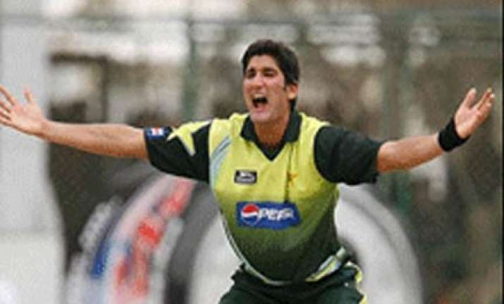 pak fast bowler to go to aus for knee surgery