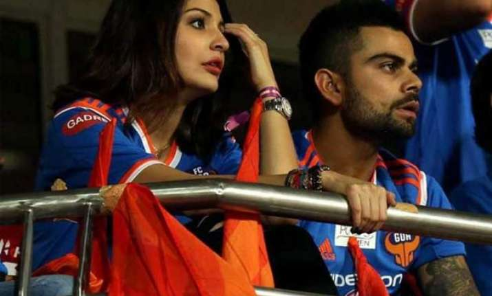 twitterati targets anushka over virat s poor show in wc