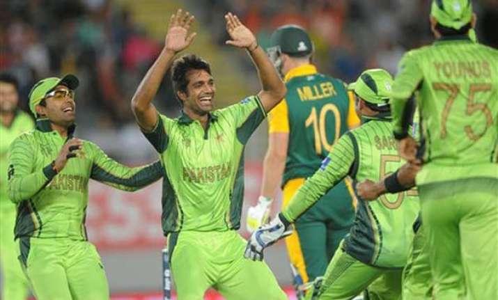 world cup 2015 don t take pakistan lightly says ajmal