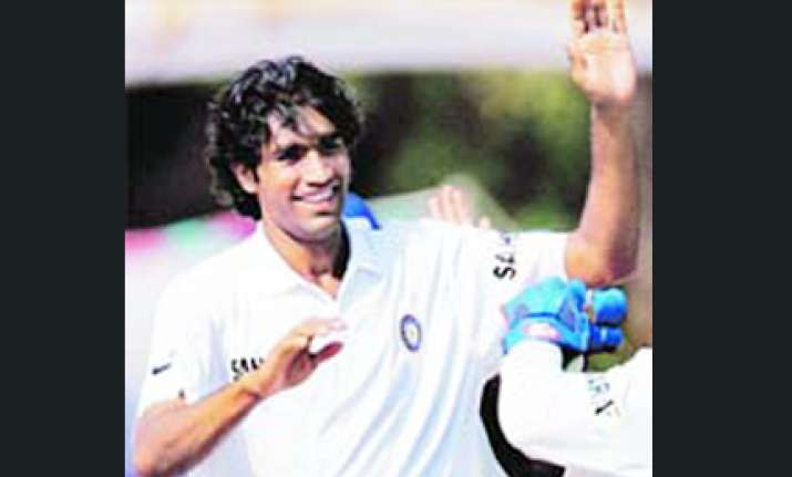 rest of india resticts mumbai in the irani cup on day two