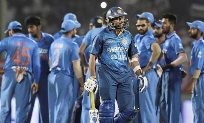 ind vs sl 3rd t20i r ashwin weaves spin magic india bundle