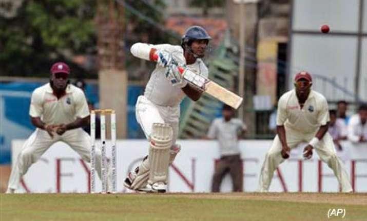sri lanka struggle as roach strikes