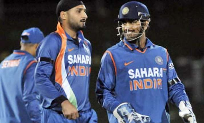 sachin viru s stay in first 15 overs will be key harbhajan