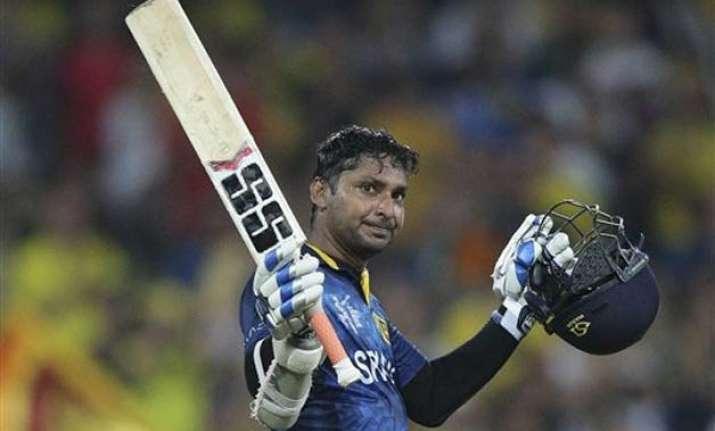 sangakkara becomes only 2nd batsman to pass 14 000 odi runs