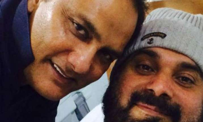 azharuddin visits his brother sidhu in hospital