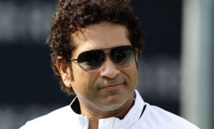 sachin tendulkar talks to vanquished mumbai players