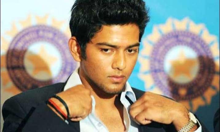 india a eye final tri series berth in last league game