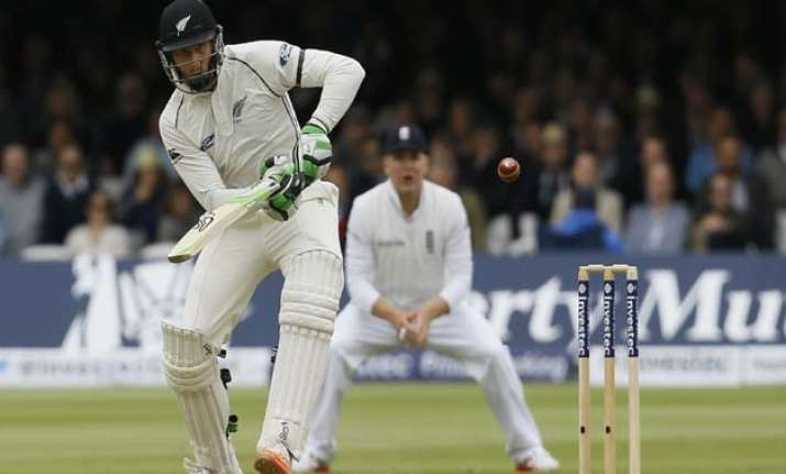 eng vs nz kiwis bat serenely to 44 0 after england all out