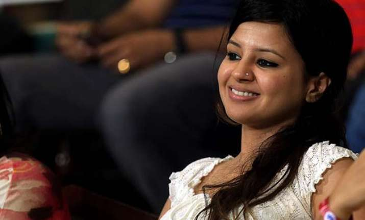 sakshi dhoni proud of team india says the boys fought hard