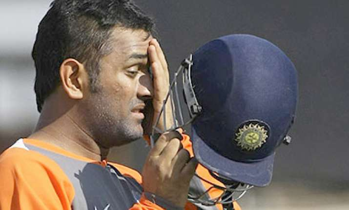 india red thump dhoni s india blue to win challenger trophy