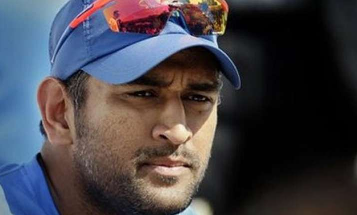 andhra court recalls non bailable warrant against m s dhoni