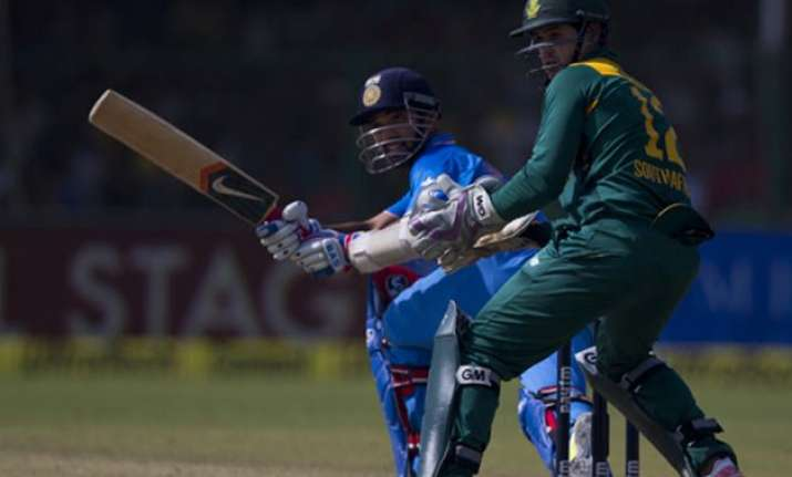 south africa beat india by 5 runs in first odi take 1 0
