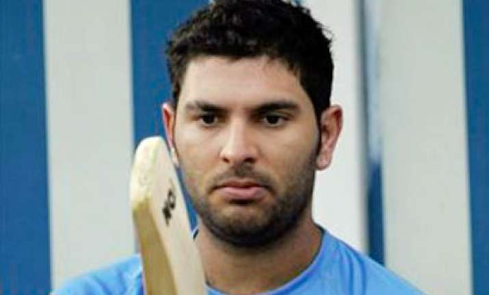 avoid putting pressure on yuvraj says muralitharan