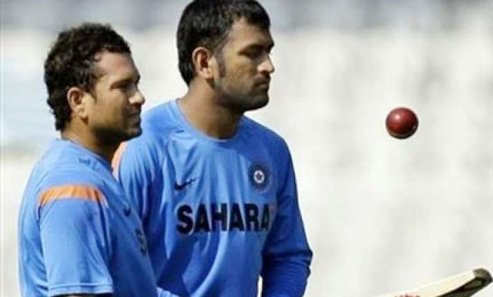 dhoni ok with sachin not in t20 team india