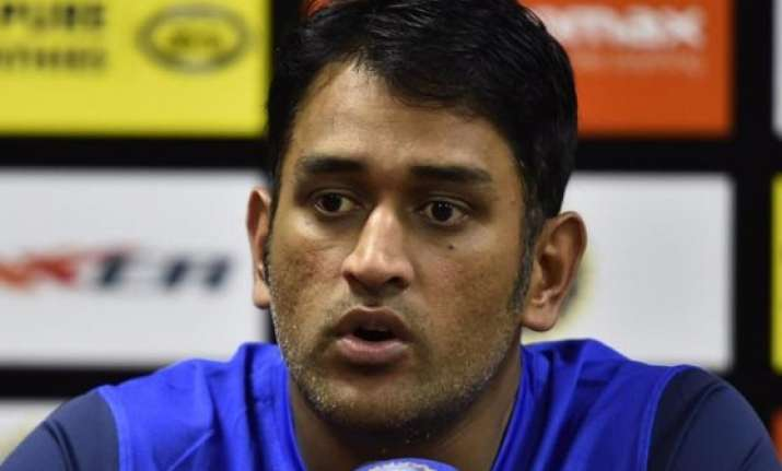 ms dhoni backs his mediocre bowlers says they did a decent