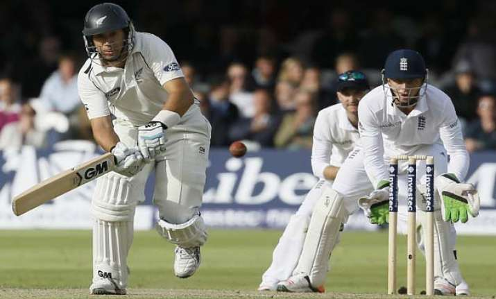 eng vs nz kiwi top order cruise to 303 2 trail england by