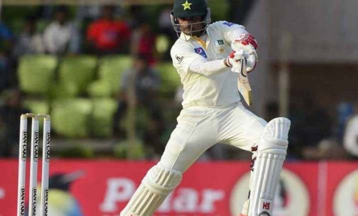 hafeez hits career best 224 as pakistan builds lead of 205